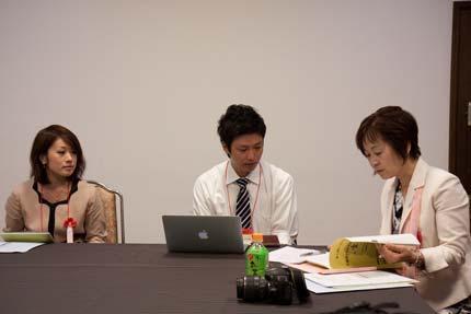 カラーコラボMuの飯塚さんと稲庭うどんの麻生孝之商店から麻生孝一郎さんと今野醸造の今野ふさ子さん