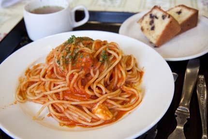 トマトとモッツァレラチーズのパスタ500円