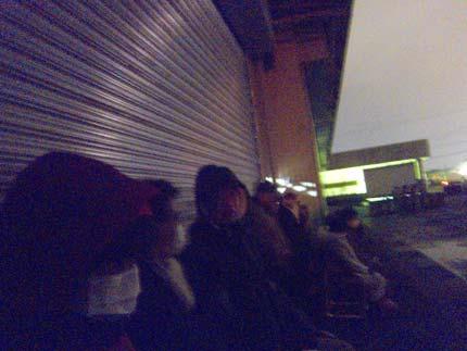 午前5時30分、上越市青果市場に行きました