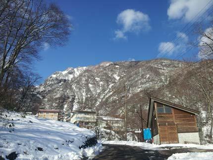 雪で覆われた妙高
