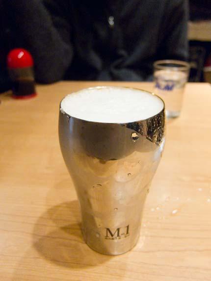 燕市の磨き屋シンジケートのビアカップ