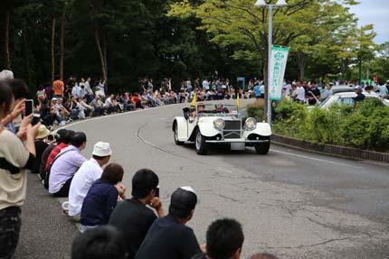 クラシックカーのパレード