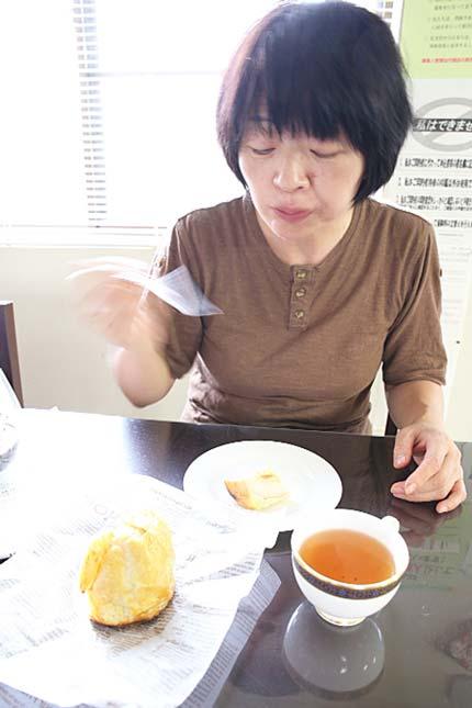 紅茶でアップルパイを頂き