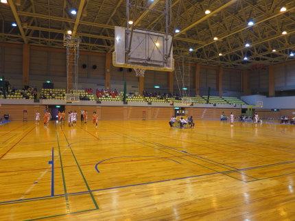 高校生の小さなバスケットボール大会