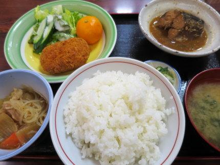 鯖味噌煮定食550円