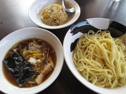 つけ麺中盛り300g680円+ミニチャーハン200円