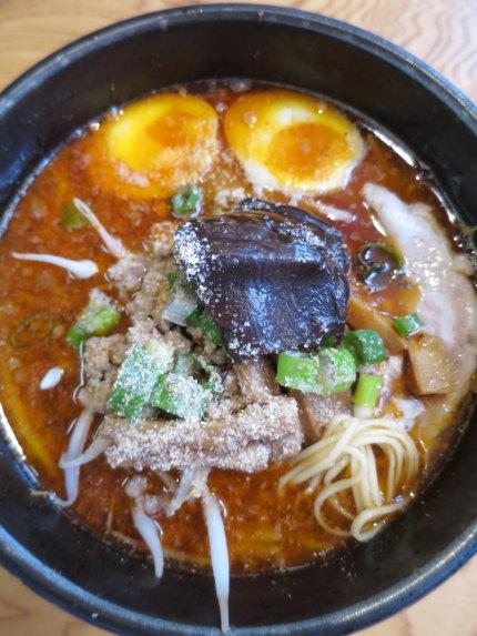 黒マー油担々麺900円