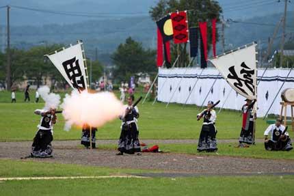 米沢藩古式砲術保存会の砲術披露