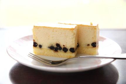 千疋屋のブルーベリーチーズケーキ
