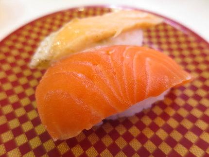 一皿に2種類のお寿司