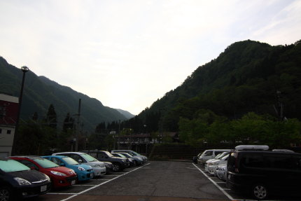 立山駅前の駐車場