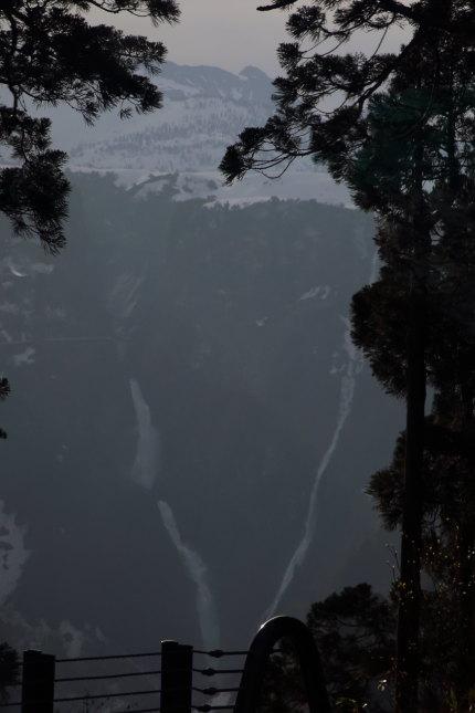 称名滝(しょうみょうだき)、ハンノキ滝
