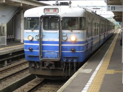 各駅停車の電車
