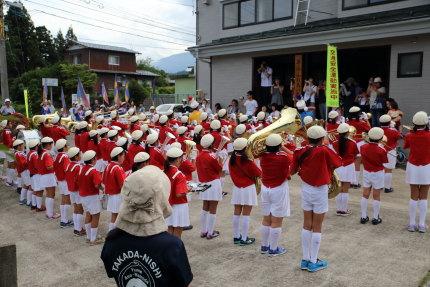 高田西小学校のスマイル学年金管鼓隊