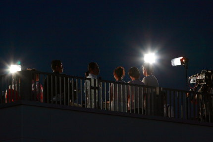 屋上テレビクルー