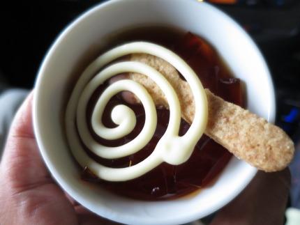 紅茶のゼリー、アリス