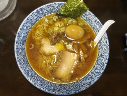 黒しょうゆらー麺、通常680円が割引価格500円+味玉クーポン