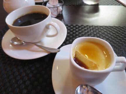 紅茶のパンナコッタと珈琲