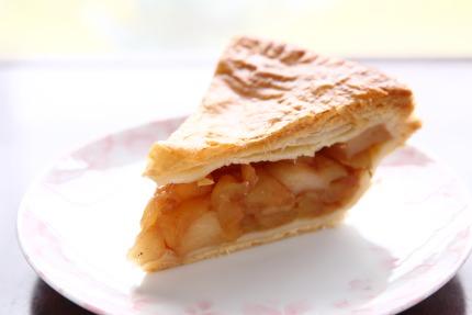酸味とシナモンの香りのアップルパイ
