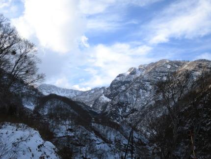 小雪で山肌も見えていました