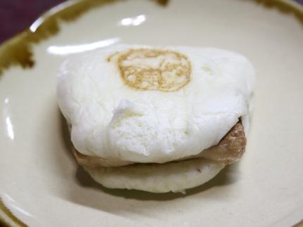 長崎豚角煮まんじゅう280円(税抜き)