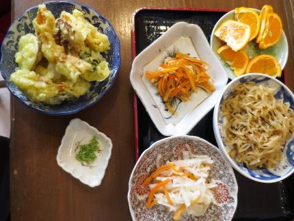 天ぷら、総菜食べ放題