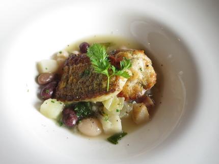 スープ・ド・ガルビュ真鱈のソテー添え