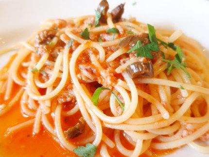 能生産魚介のラグートマトソーススパゲティ