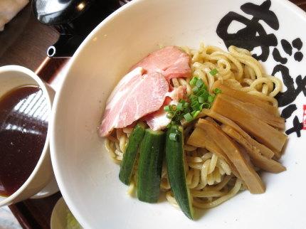 つけ麺830円(税込)