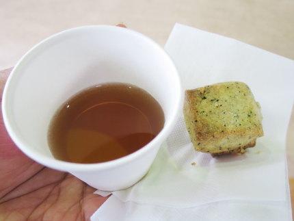 クッキーとお茶