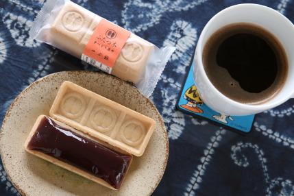 二木の菓子さん製造の「ふたつ木手づくり最中」