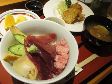 ちらし御膳1380円(税抜)