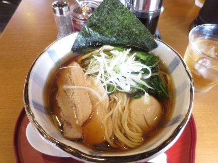 らーめん700円(税込)+味玉100円(税込)