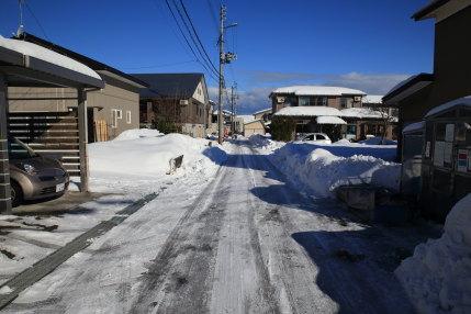 1月26日(木)、高田観測所記録 降雪量2cm積雪量59cm