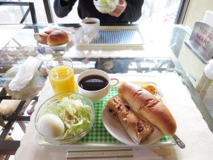 無料のホテル朝食
