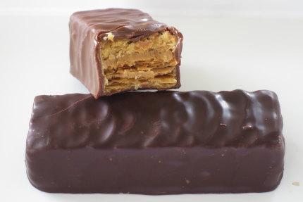チョコレートでコーティングしたお菓子