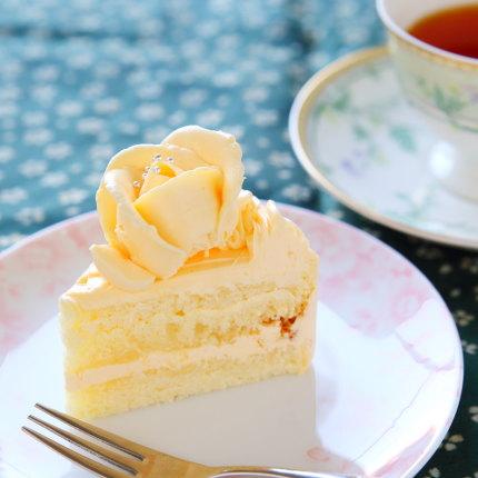 バタークリームケーキ250円(税別)