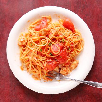 トマトたっぷりのスパゲティ