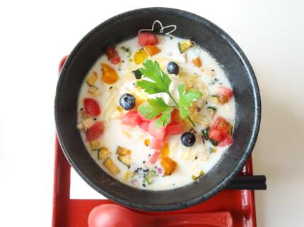 華美2017Ⅱ夏野菜&フルーツのヨーグルトラーメン税込900円