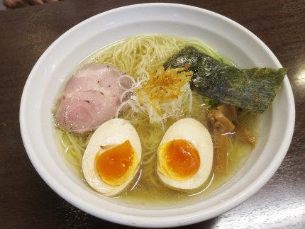 薫る塩ラーメン700円(税込)