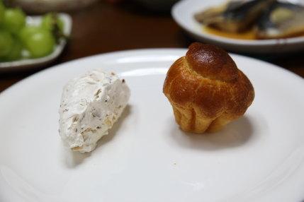 砂糖菓子と小さなパン