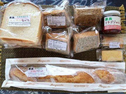食パンとシフォンケーキ