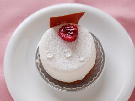 レアチーズケーキ370円(税別)