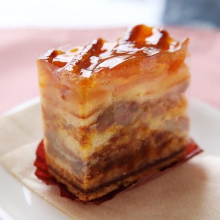 林檎ジャムを使ったケーキ320円(税別)