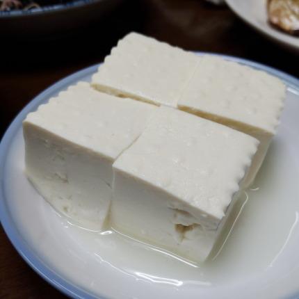 無添加木綿豆腐330円(税別)