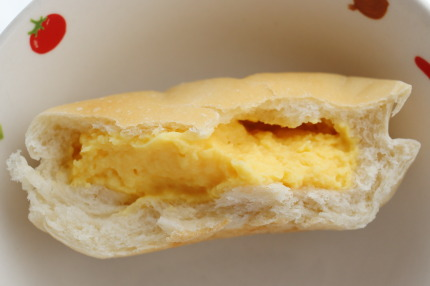 クリームパンの中身