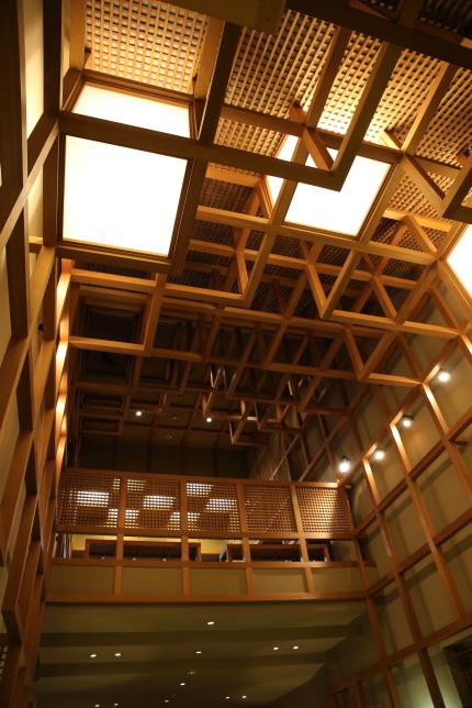 天井も木の組み合わせ