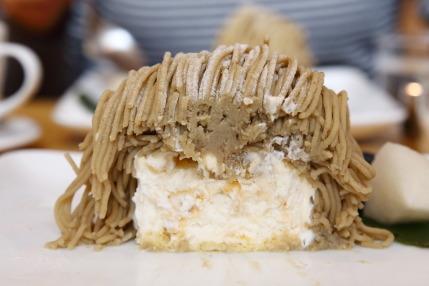 アイスクリームの質、栗餡の質ともに申し分なく