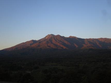 妙高山の美しい朝焼け