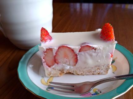 妻が作ったクリームチーズケーキ